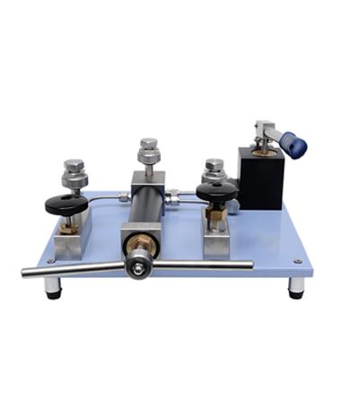 4100-60L LAB pressure comparator